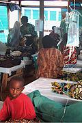 D.R. Kongo 2008: Täglich 40 Neuerkrankte nimmt die Cholerabehandlungsstation in Lubumbashi zur Zeit auf.